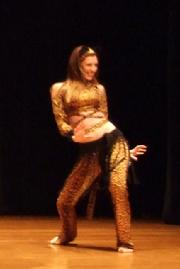 Naomi dances to Piper's Stray Cat choreography at Belly Dance Magic 2007 409R