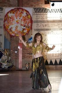Piper dances at the American Visionary Art Muesum in Baltimore (Twist Shimmy)