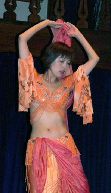 Kaoru's lovely veil dance at MayFaire 2006 a