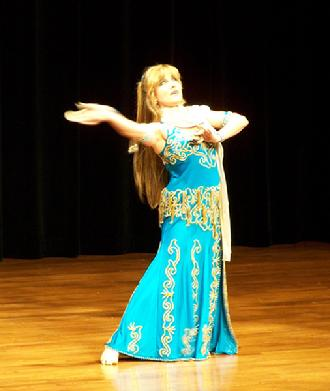 Artemis performs a traditional Turkish Romany dance at the Baltimore Museum of Art for Belly Dance Magic 2007 246