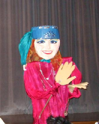 Devra Johari's 9 foot dancing puppet at Belly Dance Magic 2007