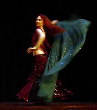 Piper's lyrical and dynamic veil dancing at Belly Dance Magic 2007 3047D
