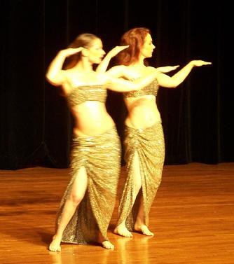 Melina and Piper perform PhoPharaonic at Belly Dace Magic 2007